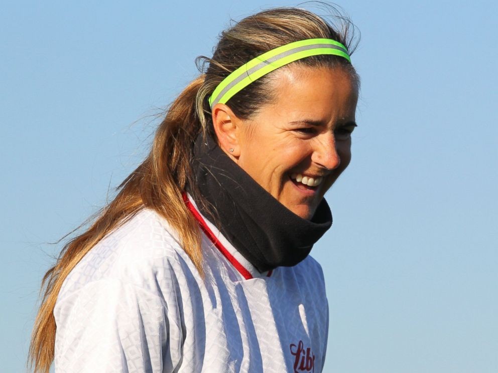 PHOTO: Olympic soccer star Brandi Chastain leads members of the Buffalo Soccer Club through drills Oct. 6, 2012 in Buffalo, NY.