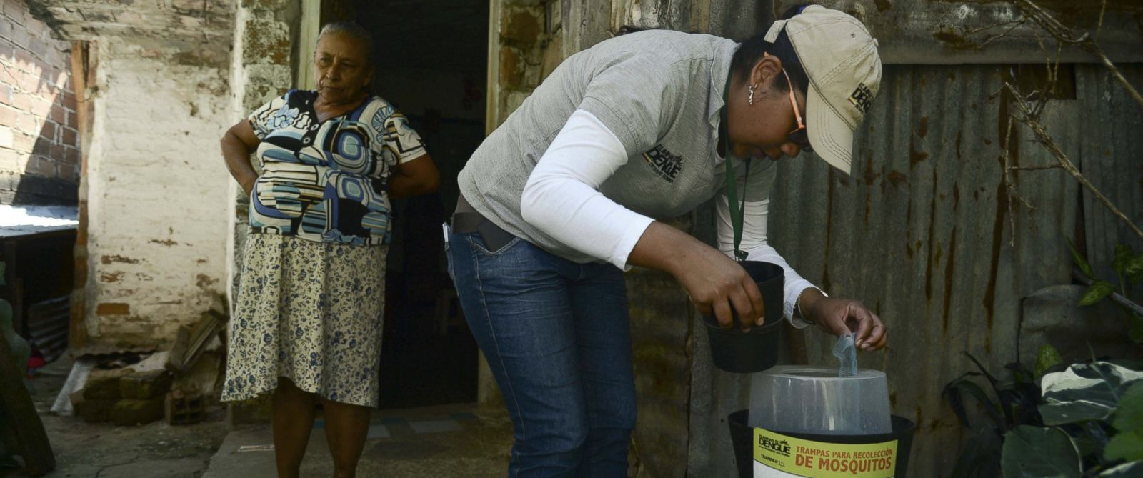 PHOTO: A researcher checks mosquito traps in the Paris neighborhood, Bello municipality, Antioquia department, Colombia on Jan. 26, 2016.