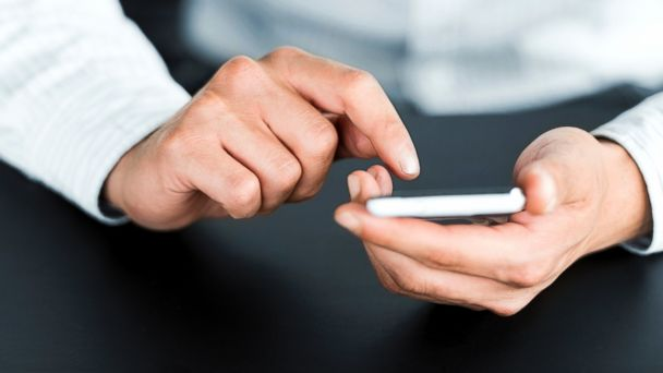 PHOTO: Methylchloroisothiazolinonephobia is the fear of texting.