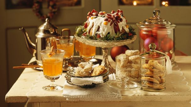 PHOTO: Switch out of holiday mode as soon as the partys over; dont turn Thanksgiving through New Years into one long binge.