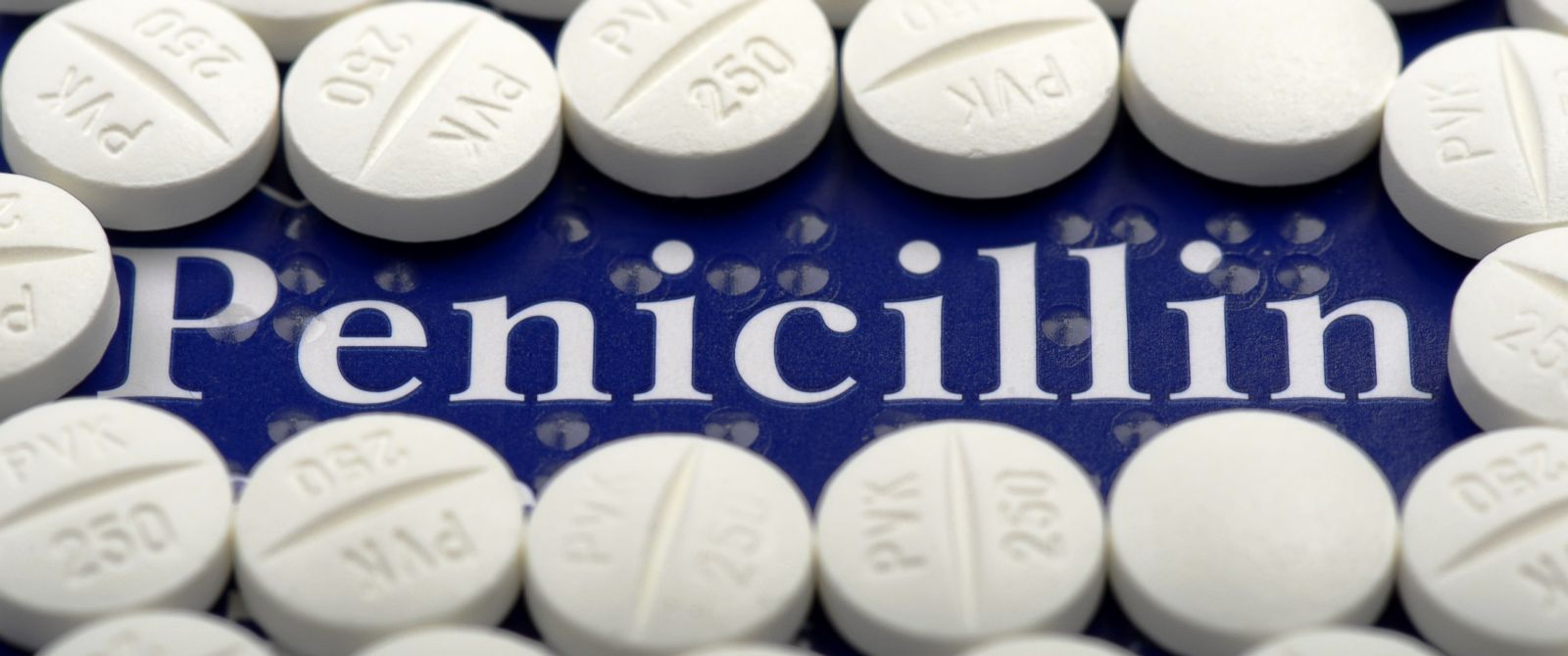 PHOTO: Two new studies find many people mistakenly think they're allergic to penicillin.