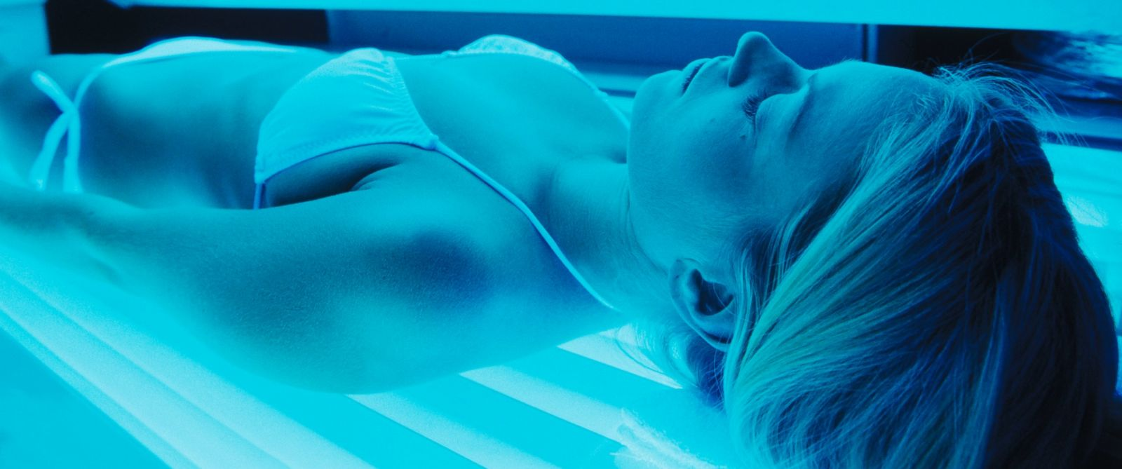 PHOTO: A women is seen in a tanning bed in this file photo.