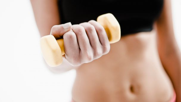 PHOTO: You can cram a workout into 4 minutes using dumbells.