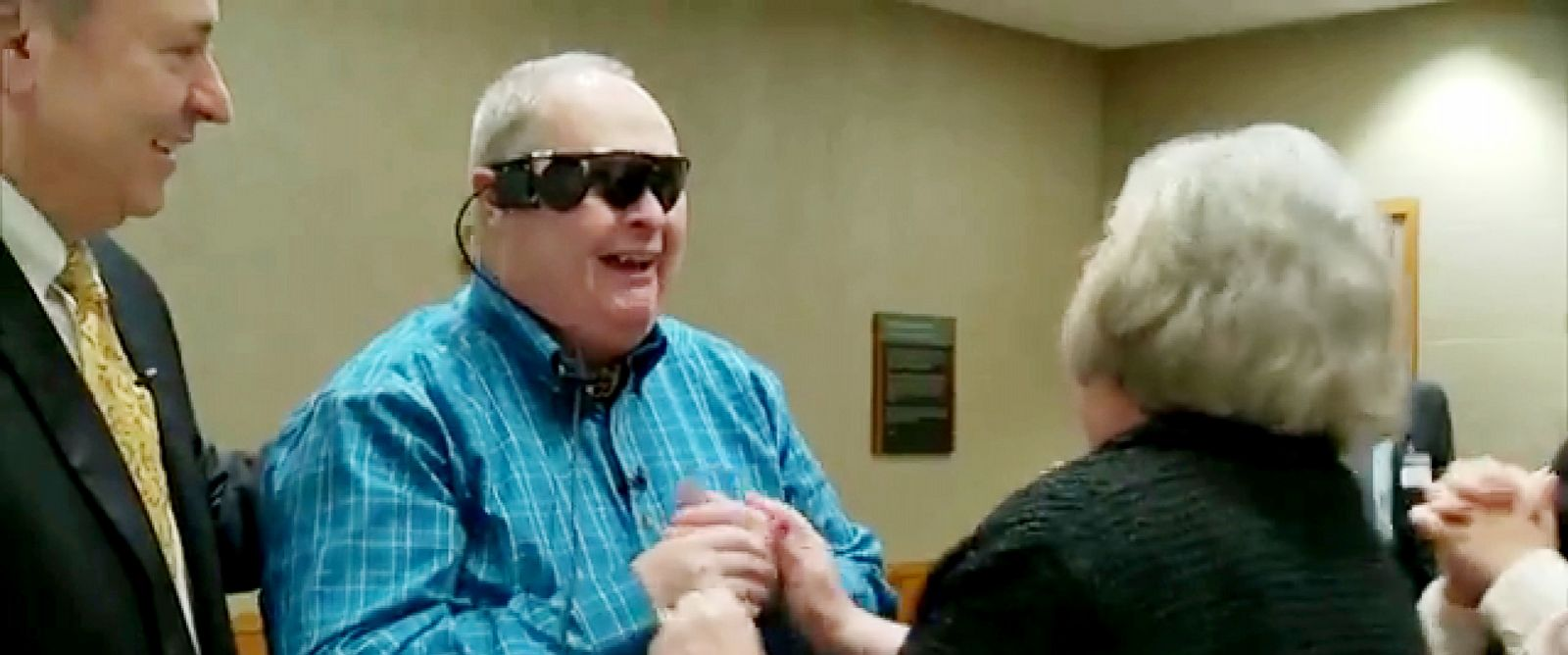 PHOTO: Allen Zderad sees his wife Carmen Zderad for the first time in 10 years after receiving a bionic eye implant from researchers at the Mayo Clinic in Minn.