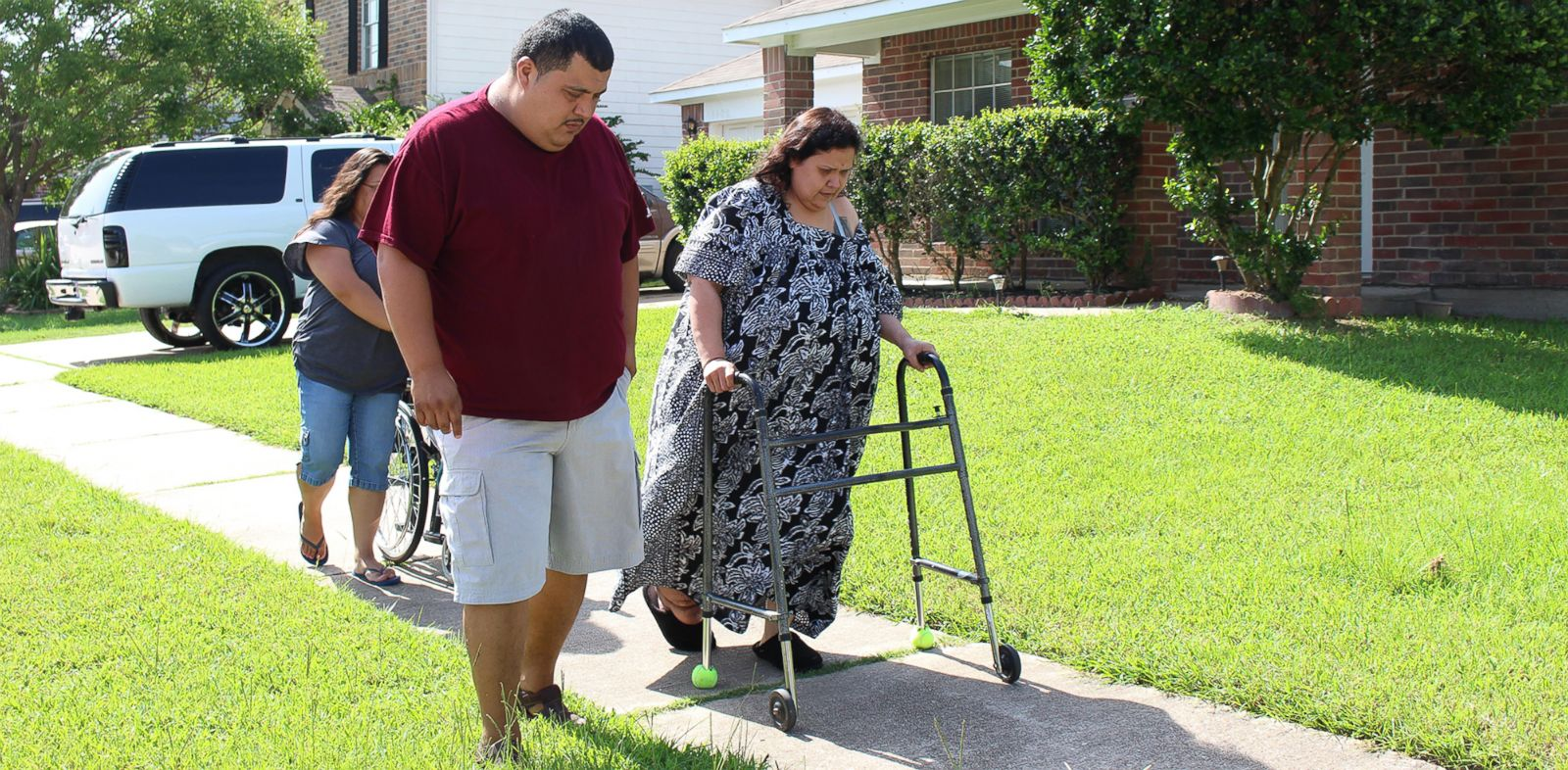 PHOTO: After a suicide attempt, Olivia dropped from 440 to 256 pounds.