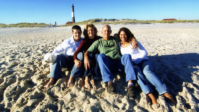 PHOTO Robbie and family at the beach