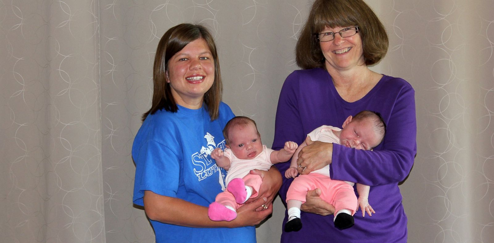 PHOTO: Grandma Gives Birth To Granddaughters