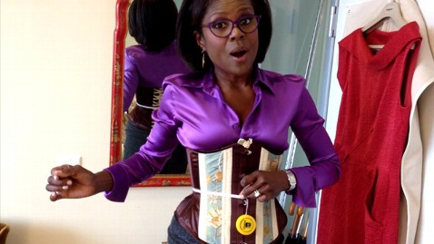 abc deborah roberts corset 2 121008 wblog My Life in a Corset: Squeezing Into a New Dieting Strategy