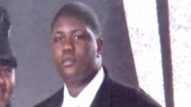 PHOTO:HS football player dies