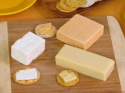 VIDEO: Tastey Cheese Treats