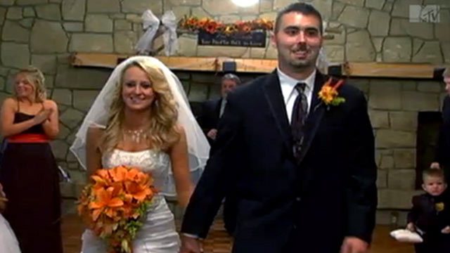 "PHOTO: Tabloids are reporting that ""Teen Mom 2"" star Leah Messer and husband Corey Simms are divorcing just six months after getting married."