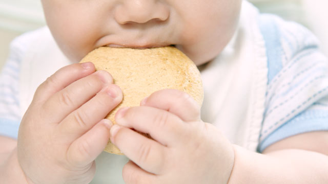 PHOTO: New research from the U.S. Centers for Disease Control and Prevention say that mothers are giving their babies solid food at earlier ages than recommended.