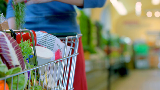 PHOTO: Diane Henderiks offers her healthy tips on supermarket shopping.