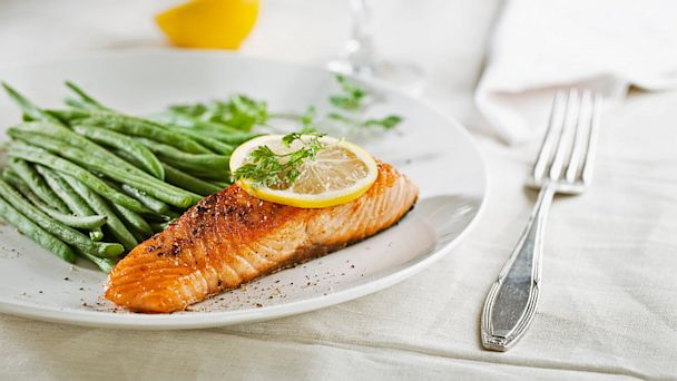 PHOTO: Salmon and vegetables