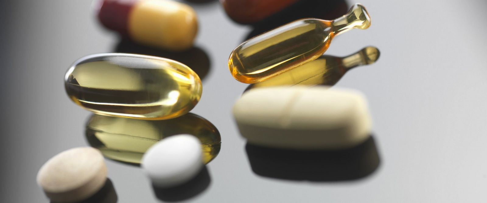 PHOTO: A new federal study estimates that dietary supplements send 23,000 Americans to hospital emergency rooms each year.