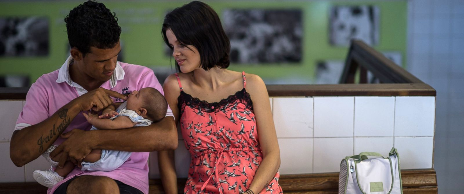 PHOTO: Matheus Lima and Kleisse Marcelina tend their two-month-old son Pietro suffering from microcephalia caught through an Aedes aegypti mosquito bite, at the Obras Sociais Irma Dulce hospital in Salvador, Brazil on Jan. 27, 2016.