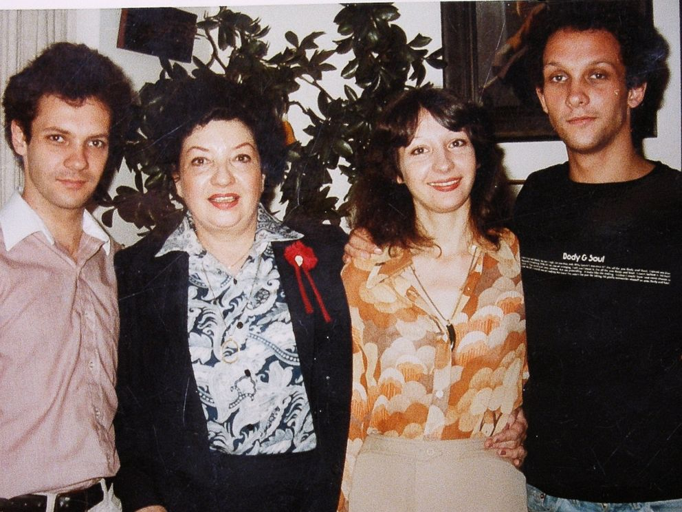 PHOTO: Shira LHeureux and her mother, Dolly Baker, with her brothers.