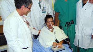 PHOTO Second-ever voicebox transplant recipient. Donor larynx, thyroid, trachea swapped into 52-year-old woman