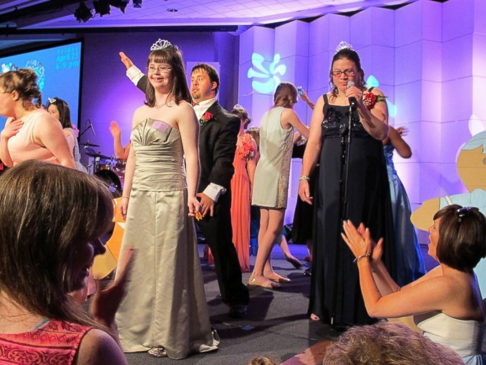 PHOTO: At the Memphis Joy Prom, all the girls got tiaras.