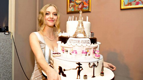 sp amanda seyfried jp 111207 wblog Amanda Seyfried Says Playing Linda Lovelace Will Be Terrifying