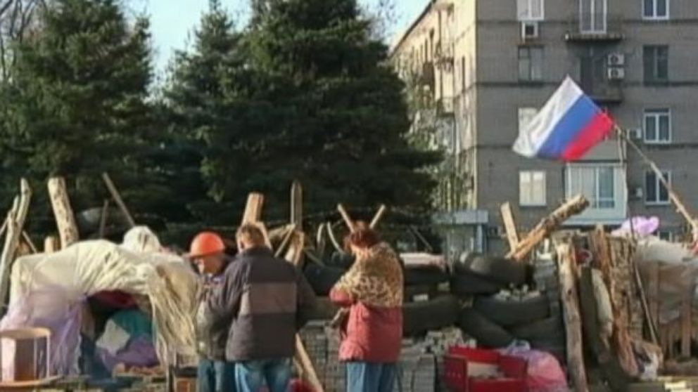 VIDEO: Anti-Semitic Leaflets Tell Jewish Citizens in Ukraine to Register or Be Deported