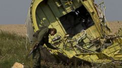 VIDEO: An independent report from the group Bellingcat determined that Russia altered photos to implicate the Ukrainian military in the shooting down of Malaysia Airlines Flight 17 last year.