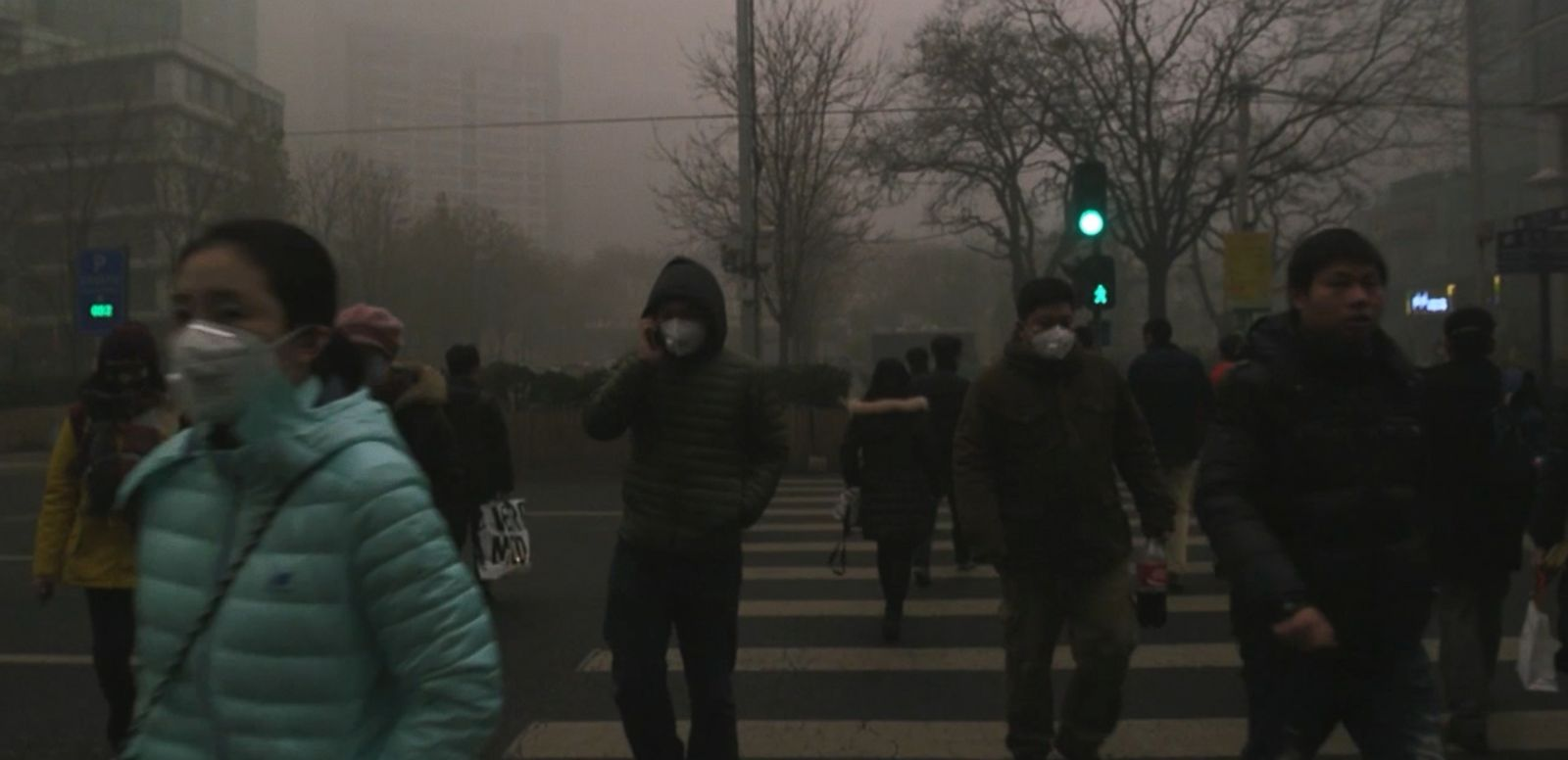 VIDEO: Beijing Faces 'Smogpocalypse' as World Leaders Kick Off Climate Summit