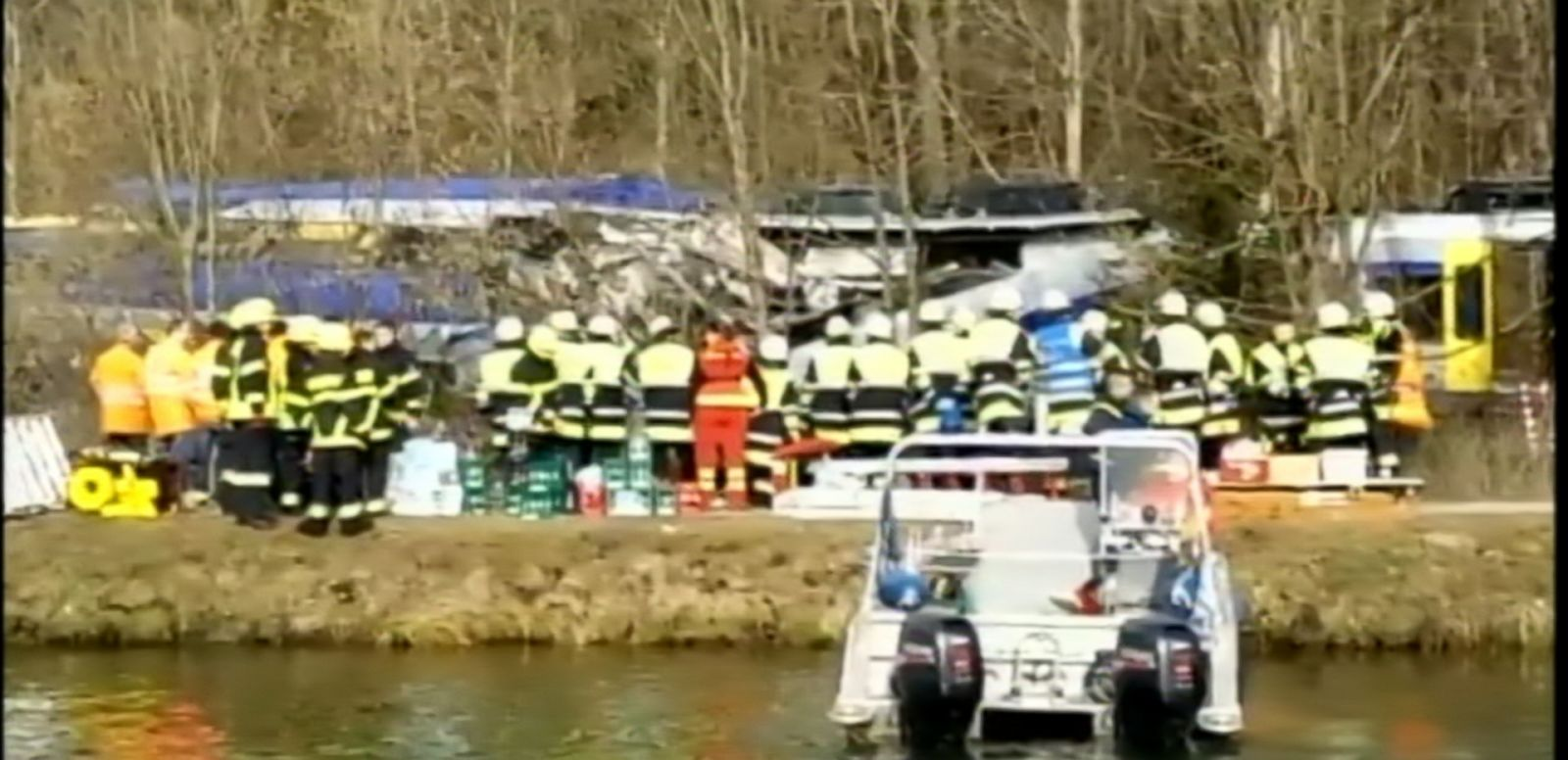 VIDEO: Two morning commuter trains have collided in Bad Aibling in southern Germany, killing eight people and injuring more than 100 others, police said.
