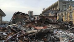 VIDEO: Russian Government Demolishes Kiosks