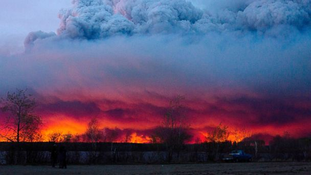 http://a.abcnews.go.com/images/International/AP_Canada_Fires_Sunset_BM_20160505_16x9_608.jpg