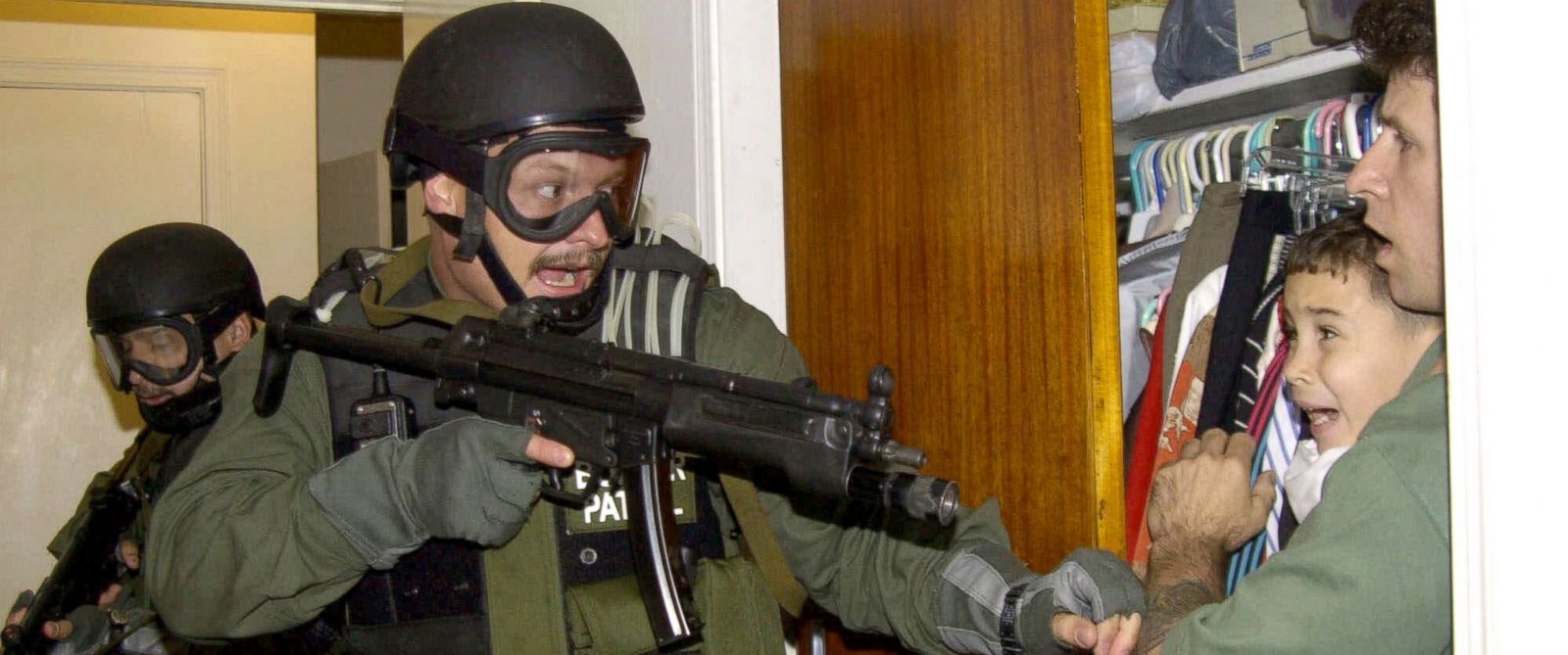 the true story of elian gonzalez A brief history of the elian gonzalez affair – slideshow by time magazine (in spanish) official cuban website: about the custody battle for elián the year in pictures: elian gonzalez time 2000 archived from the original on july 9, 2007 garcía márquez, gabriel (2000-03-29) elián: shipwrecked on dry land.