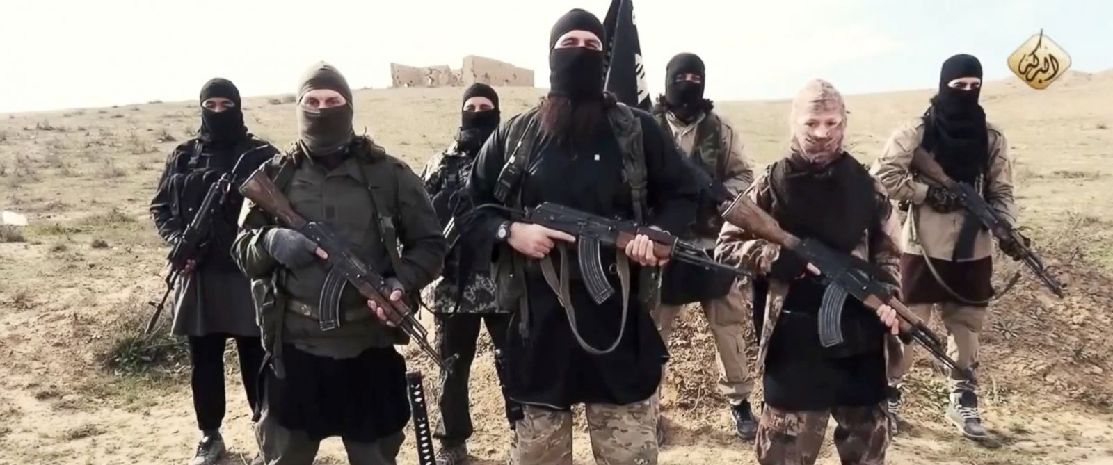 PHOTO: ISIS fighters deliver a message to Francois Hollande and to the French people on Feb. 4th, 2015.