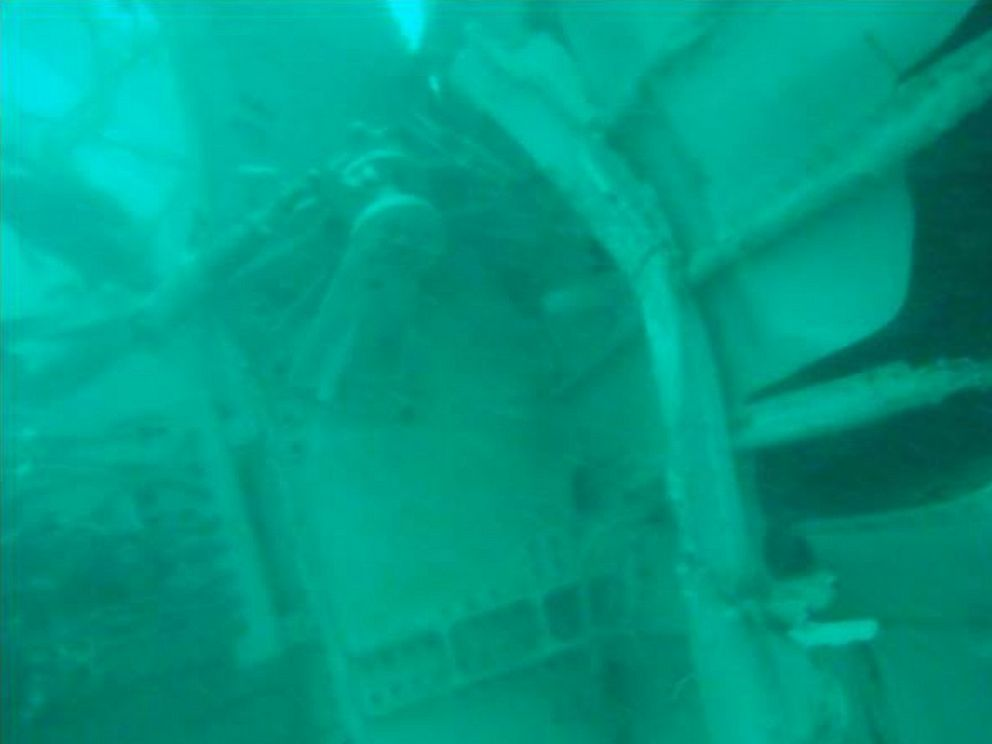 PHOTO: An underwater photo released by Indonesias National Search And Rescue Agency (BASARNAS) on Jan. 7, 2015 shows wreckage from AirAsia Flight 8501 in the Java Sea.