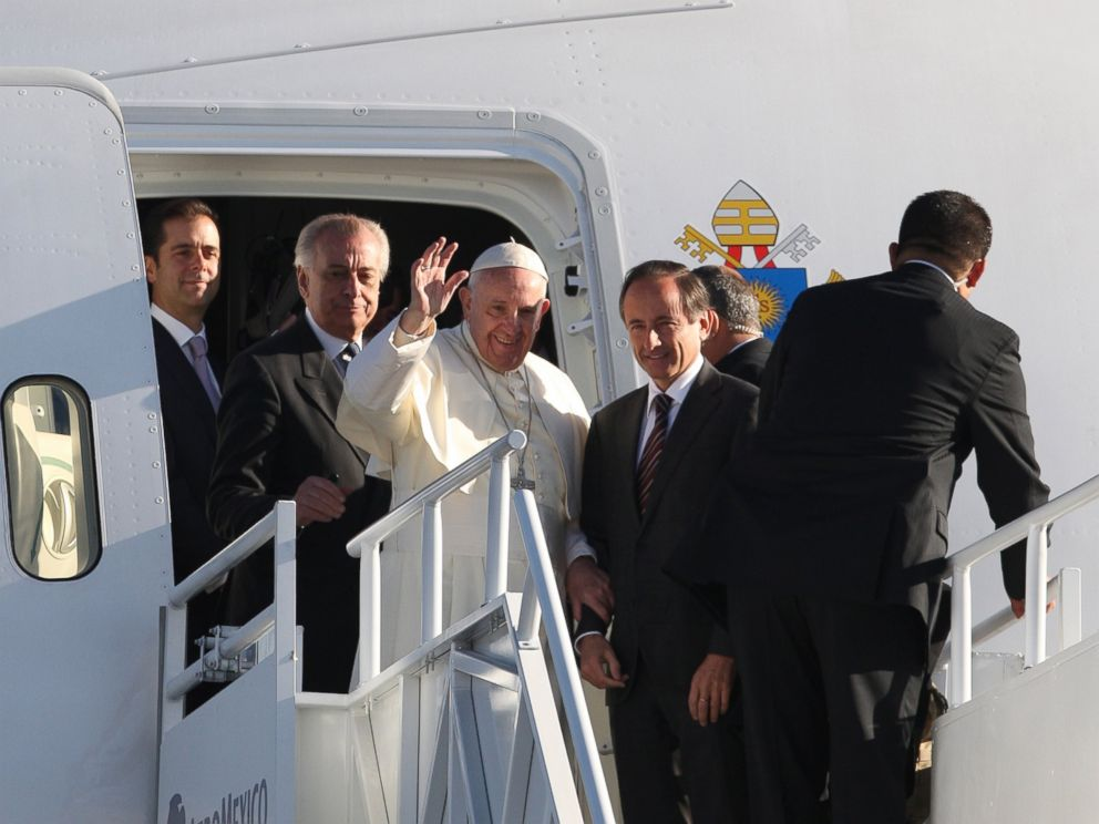 PHOTO: Pope Francis waves goodbye from the plane at the Benito Juarez International Airport in Mexico City, Mexico, Feb. 17, 2016.
