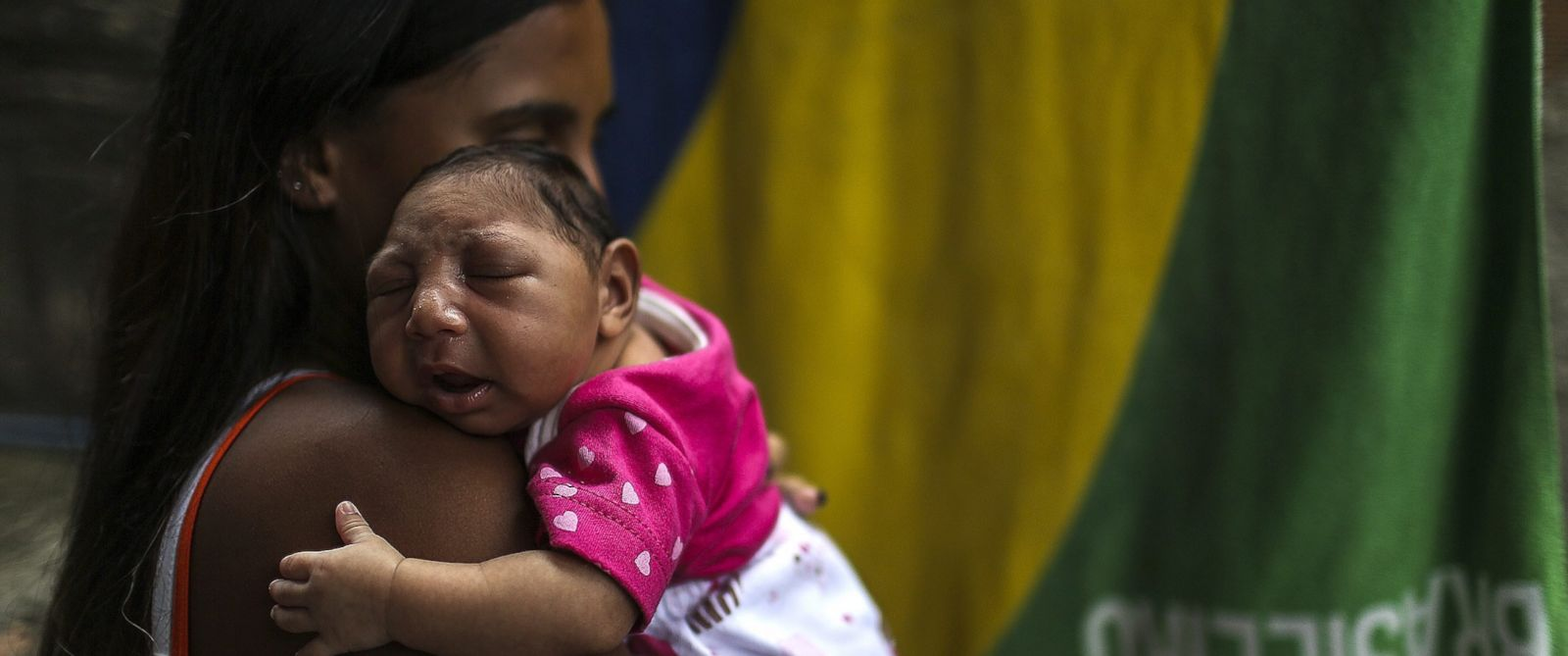 PHOTO: Leticia de Araujo holds her daughter, one-month-old Manuelly Araujo da Cruz, who was born with microcephaly after being exposed to the zika virus during her mothers pregnancy is seen here, in Rio de Janeiro, Brazil, Feb. 11, 2016.