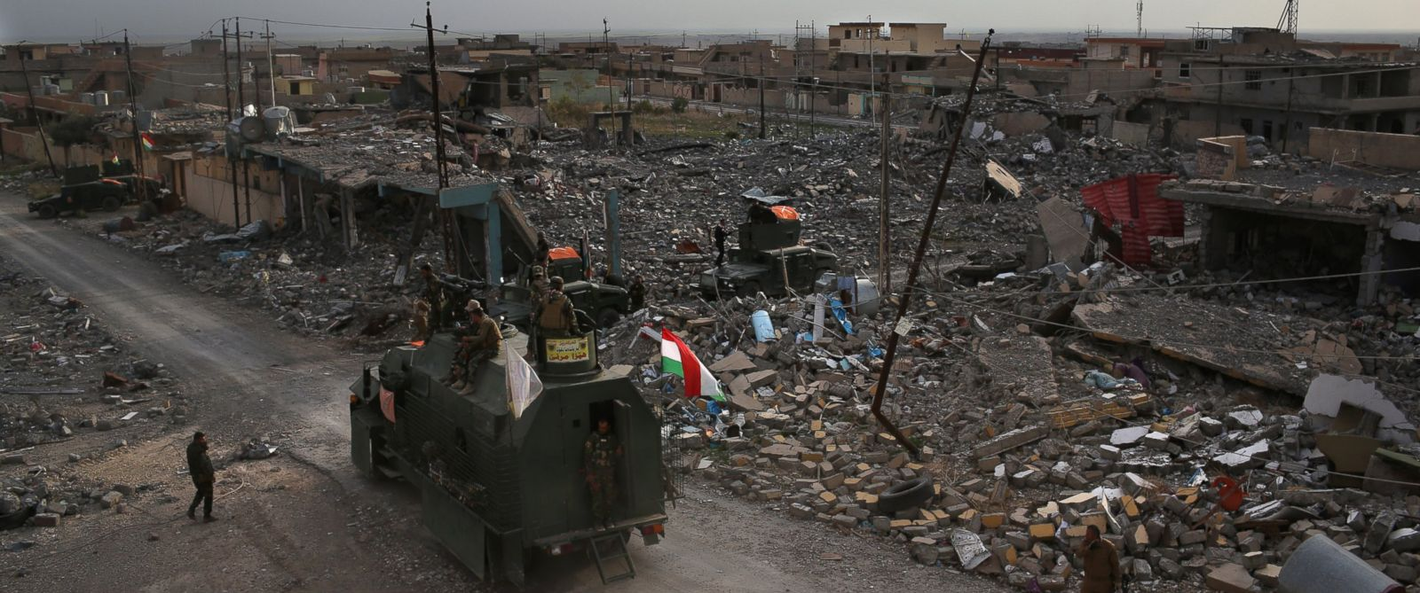 PHOTO: In this file photo, Peshmerga forces take positions in Sinjar, Iraq, Nov. 15, 2015.