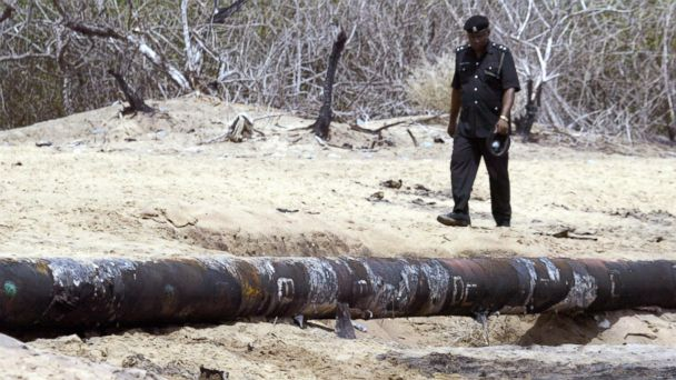 http://a.abcnews.go.com/images/International/GTY_nigeria_pipeline_vandalism_jt_160524_16x9_608.jpg
