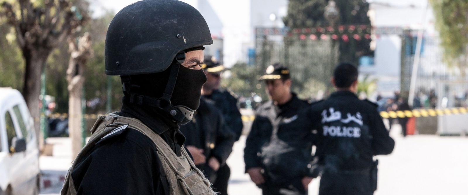 PHOTO: Tunisian police stand near the crime scene outside the National Bardo Museum in Tunis, Tunisia, March 19, 2015, after the attack at museum.