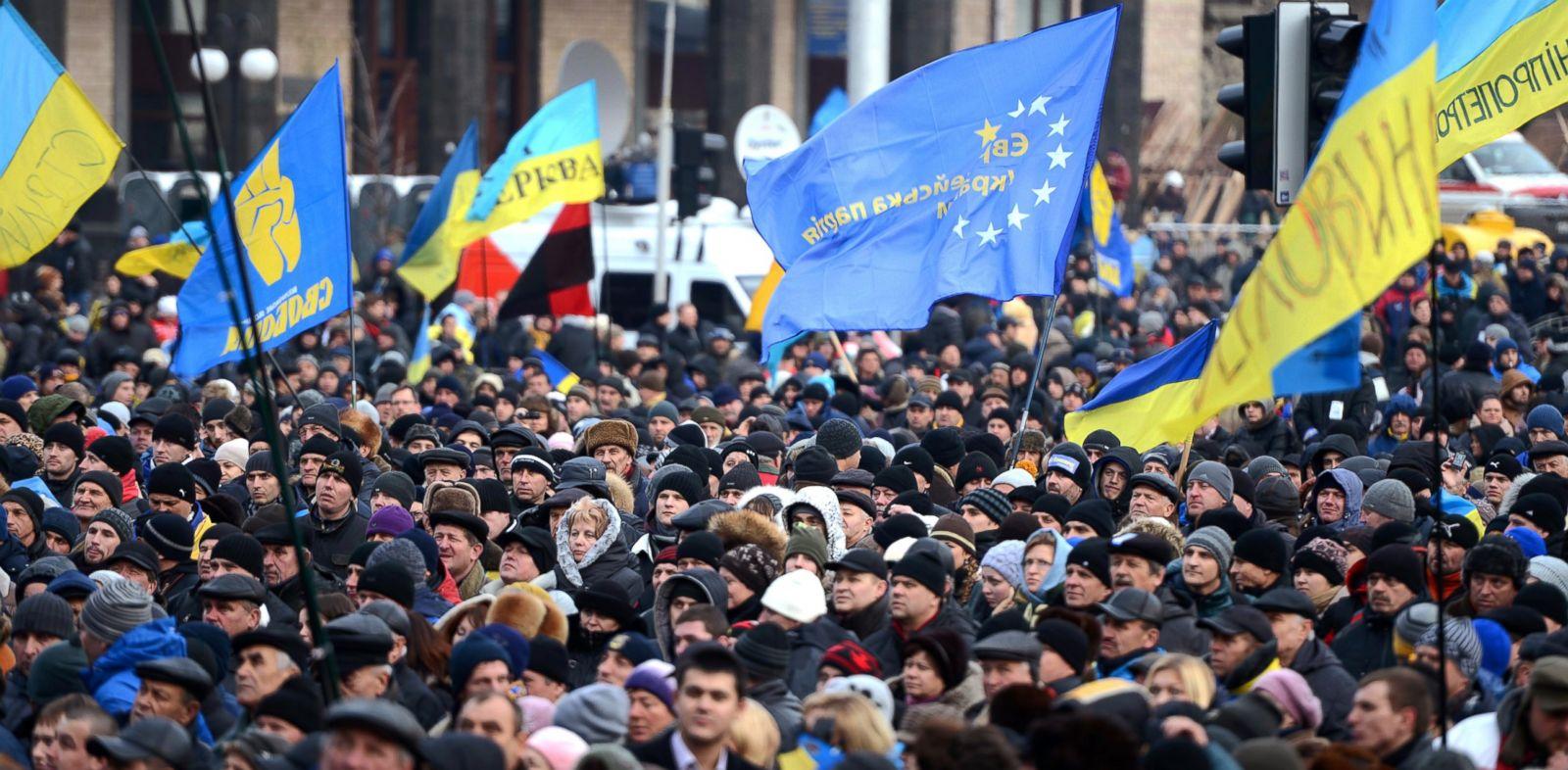 PHOTO: Ukrainian protestors continue to protest on Kievs Independence Square, Dec. 4, 2013.