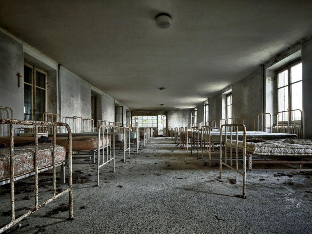 Abandoned insane asylums wallpaper