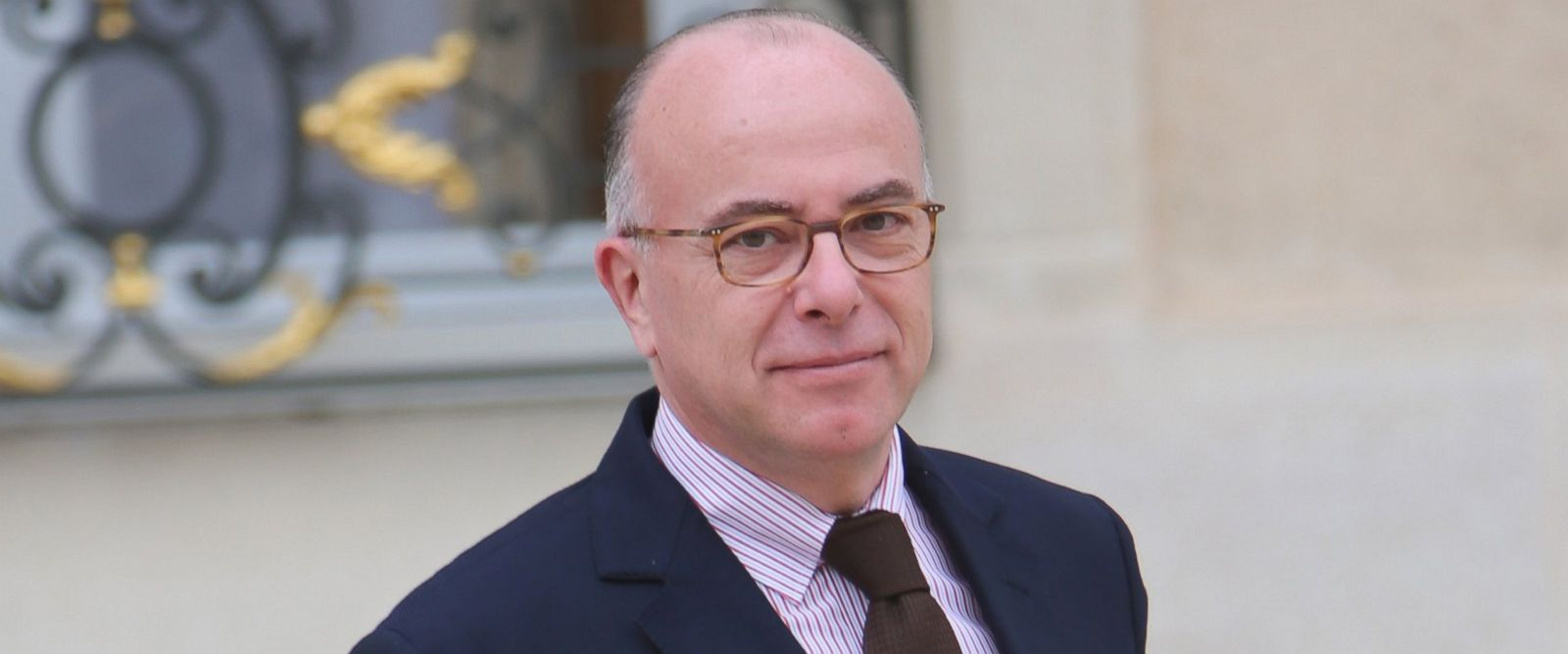 PHOTO: French Minister of the Interior Bernard Cazeneuve leaving the Elysee presidential palace following the weekly cabinet meeting on March 16, 2016.