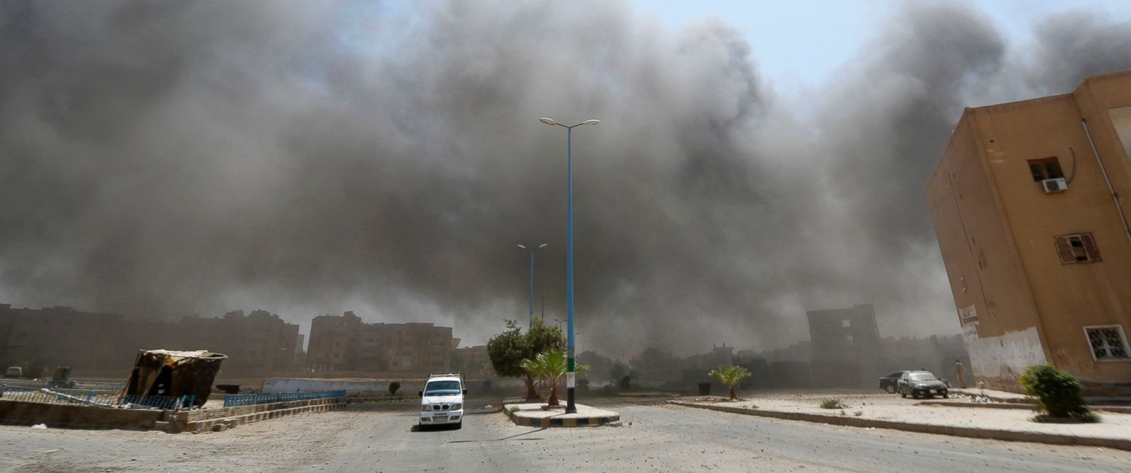 PHOTO: Smoke rises after shelling from forces loyal to President Bashar al-Assad