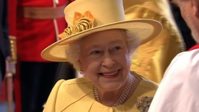 VIDEO: The Queen comes to Westminster Abbey for her Grandsons wedding.
