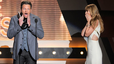ap ACM Music Awards blake taylor ss thg 120402 wblog Today in Pictures: Hindu Goddess festival, Damien Hirst, MyanMar Cheer, Bieber Slimed and The Pope