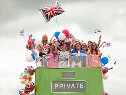 ap Britain Queen jubilee thg 120601 wblog Today in Pictures ; Jubilee Madness, Flag Burning, Childrens Day, and Lepchas