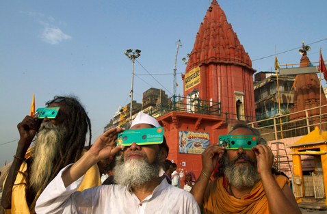 ap India Transit nt 120606 wblog Today in Pictures: Transit of Venus, Space Shuttle Enterprise and D Day Commemorations