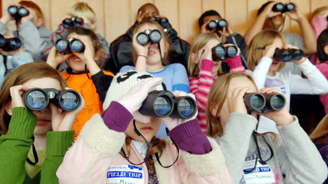 ap alabama kids binoculars ss thg 120120 wblog Today in Pictures: Jan. 20, 2012