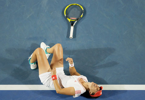 ap australian tennis open injury ss thg 120120 wblog Today in Pictures: Jan. 20, 2012