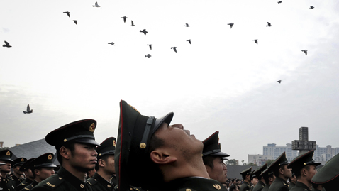 Today In Pictures: Dec. 13, 2011