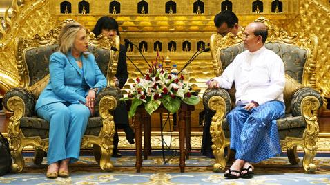 ap clinton Myanmar nt 111201 wblog Today in Pictures: Dec. 1, 2011